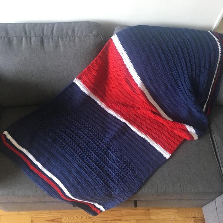 couverture au crochet couleurs PSG